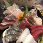 魚真 - お刺身盛り合わせ
