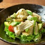 神楽坂 おいしんぼ - 生湯葉を新鮮なサラダで