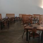109808433 - 【店内の雰囲気】                       席数がかなり多いので、観光で訪問しても待たなくて済むのが有難いですね。