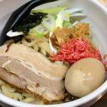 ちょもらん麺 - 海老油そば 煮玉子 840円 (税込)