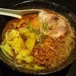 麺処 蓮海 - 鮪豚骨麺 辛味噌@800円(2011.12)