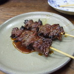 焼鳥・味吉 - 牛焼き うまい2本で200円