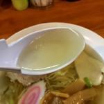 里山の食事処 山小屋亭 - 上品な味わいのアゴ出汁スープ