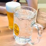 吉野家 - ドリンク写真:生グラス(200円)と芋焼酎の水割り(300円)でカンパ~イ!