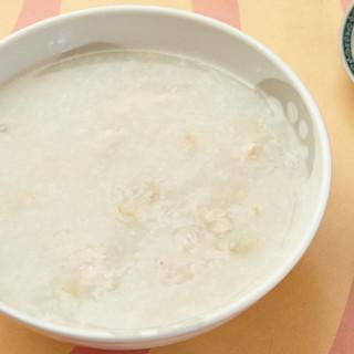 しあわせ感じる粥菜坊の「広東粥」。多彩なメニューが魅力です