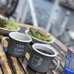 ザ カップス ハーバー カフェ - ドリンク写真:アイスコーヒーとレモネード