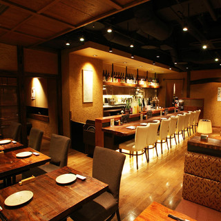 美味しい日本酒を静かにじっくり味わえるお洒落な空間