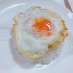 109827879 - 卵焼きトッピング。ご飯半分