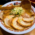 よってこや - 料理写真:京都豚骨醤油ラーメン!天一もそうだが京都のラーメンって意外とこってり!