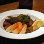 バル デ エスパーニャ ペロ - 砂肝のコンフィと季節の野菜