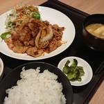 109837775 - 生姜焼き定食~