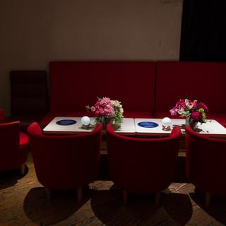 ⑤5名様から15名様用の席もご用意可能です。