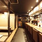 風見鶏 - 16名個室、カウンター8席。こちらをワンフロア貸切で26名様までご宴会可能です。