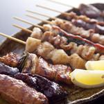 風見鶏 - 炭火で焼いた味と香りを楽しんでください。