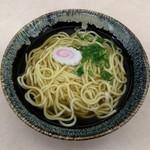 大衆食堂 加ど屋 - 料理写真:名物黄そば(270円)