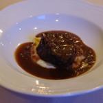 ラ リベラ - 白老牛の頬肉、黒胡椒と赤ワインのソース