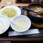 口福 - 辛シビ石焼モツ豆腐ハーフつけ麺&ライス