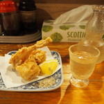いどや - ふぐの唐揚げ & 冷酒(天山 純米吟醸)