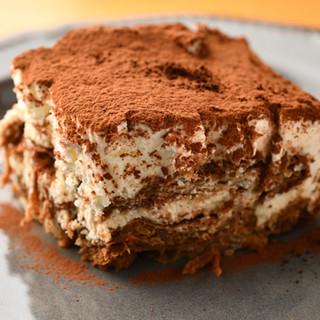 大人気のパン「ムー」を使ったティラミス&鉄板フレンチトースト