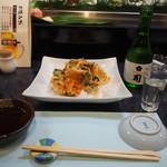 割烹 司 - 桜海老のかき揚げ & 冷酒(司 純米吟醸)