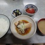 伊勢屋食堂 - たい山椒煮定¥750&トマト酢漬¥100