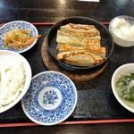 蘭蘭 - 鉄鍋餃子定食