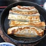 蘭蘭 - 鉄鍋餃子