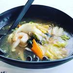 蘭香園 - 海鮮湯麺   ボリューミーでヘルシーです♫