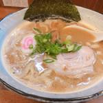 らーめん ひとふんばり - 料理写真:◆魚介とんこつラーメン  730円