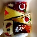 パティスリー ラプラス - 料理写真:持ち帰ったケーキ各種。
