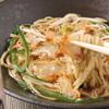 大衆天ぷらtoかすそば風土.はなれ - 料理写真:定番 かすそば   深みのあるだしに和牛かす。まずはこれ!かすとは牛小腸をじっくりと素揚げした関西の名物食材です。外はカリッ。中はジュワっとした食感です。     680円(税抜)