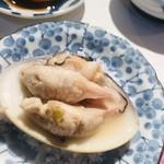 扇鮨 - 蒸し蛤。汗ごと飲み干すのだ