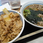 そば処 吉野家 - 牛丼と十割そばセット(かけそば)