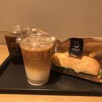 ファイブ クロスティーズ コーヒー - ハム&ゴーダチーズサンド アイスカフェラテ  アイスコーヒー