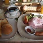 10992182 - 朝食