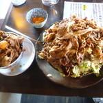 焼肉ホルモン しんちゃん - 12/2011豚バカ丼、普通盛り肉増し&悟り盛り