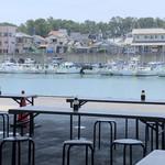 田子の浦港 漁協食堂 - 食堂からの海