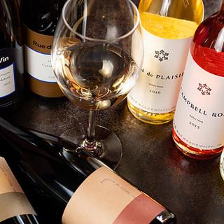 日本産ワインも充実◆常時30種以上揃えるオーナー厳選ワイン