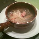 mignon hotel de noel - 普通なのに普通じゃないおいしさのコンソメスープ