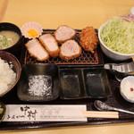 109934833 - 黒豚ロース・ヘレ食べ比べ定食¥1700+tax