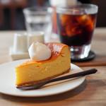 東向島珈琲店 pua mana - ベイクドチーズケーキ、水出しアイスコーヒー