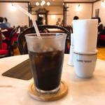 カフェ ウィーン - アイスコーヒーをがぶ飲み! もっとお上品に飲みたいところ