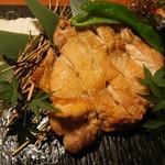 個室地鶏酒場 御蔵 - 大山とりの岩塩焼き