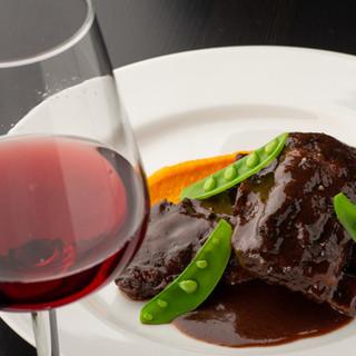 本格フレンチを手頃な価格で!ボリューミーなお肉料理が嬉しい。