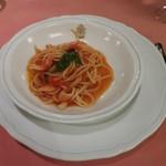 109951090 - 甲イカと生トマトバジリコソースのスパゲッティ