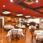 アル マンドリーノ - シックな雰囲気な中でお食事とワインを楽しまれてみてはいかがですか?