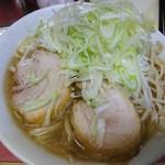ラーメン二郎 - 【32回目】小ラーメン。スープ軽め、豚は味薄め       麺がえらいかたくてゴワゴワ。いつものムチムチが好き