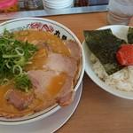 丸醤屋 - 料理写真: