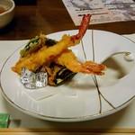 粋乃屋 - 天ぷらは海老、ナス、大葉など