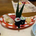 粋乃屋 - 食事はお寿司